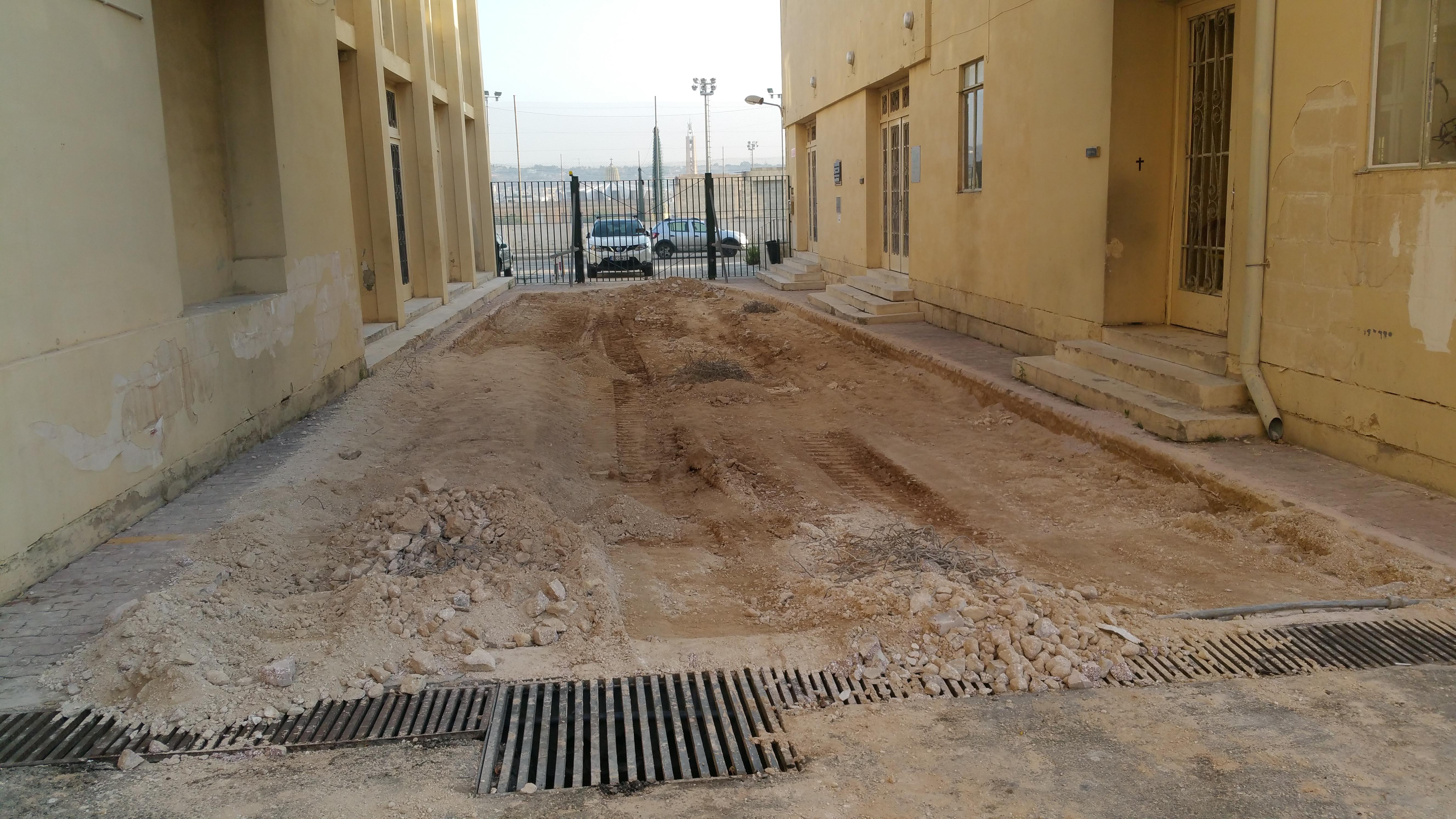 Main entrance road rebuilding and resurfacing